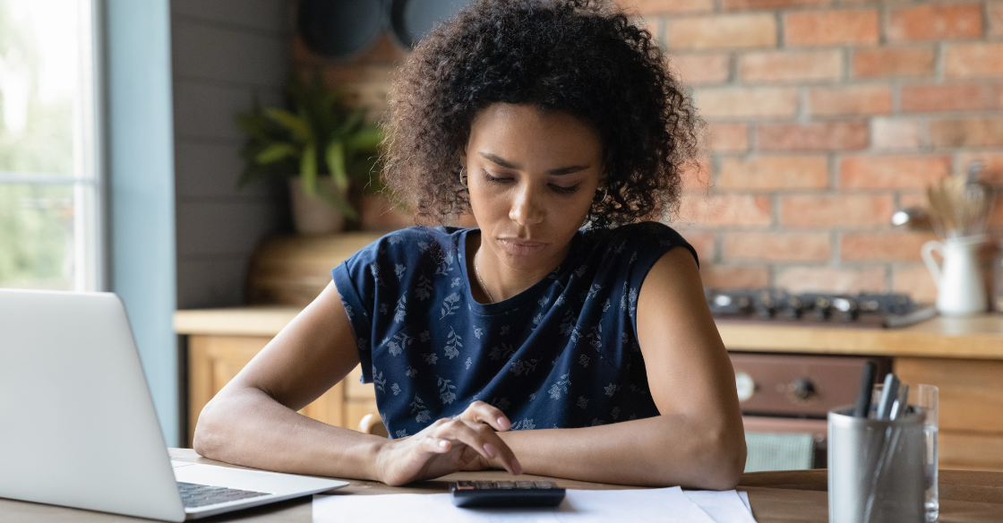 A business owner calculates her PCI compliance fees.